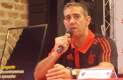 José Neto fala na coletiva que apresentou seus novos comandados | Foto Luiza Sá/MRN