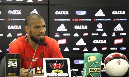 """Em entrevista coletiva, Wallace fala sobre trabalho em 2016: """"Flamengo não pode ser coadjuvante"""""""