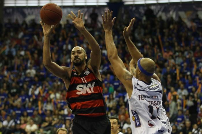 Deu tudo errado! Flamengo perde e decisão fica para o jogo 5