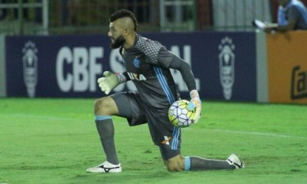 Atuações: Muralha fecha o gol, Arão comanda o meio e Fla não sai do empate com Santos.