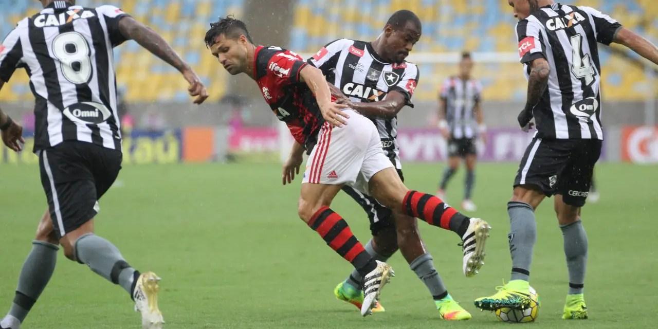 Clássico contra o Botafogo tem menos sócios-torcedores do que jogo contra o Corinthians