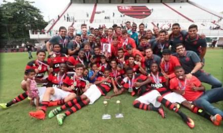 Flamengo massacra o Vasco e conquista Estadual Sub-17; 10 a 1 no agregado