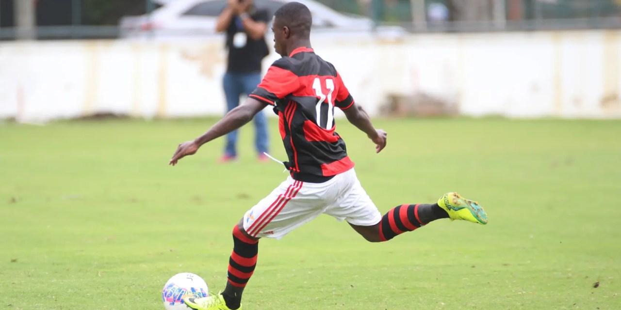 Flamengo tem virada heroica e se mantém vivo na briga pela Copa RS