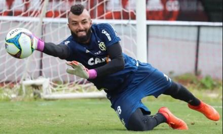 """Zé se diz """"tranquilo"""" com Muralha caso final vá pros pênaltis"""