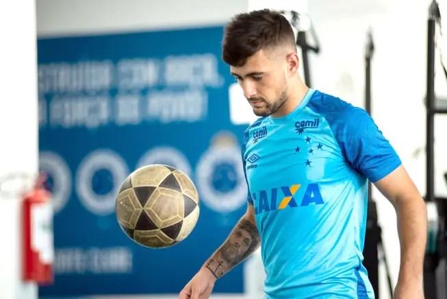 Flamengo e Cruzeiro acertam números e novela Arrascaeta pode estar próxima do fim