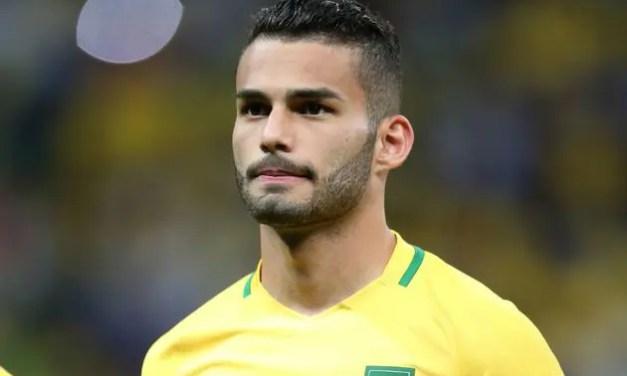 Negociando com o Flamengo, Thiago Maia posta foto vestindo camisa do clube em pelada