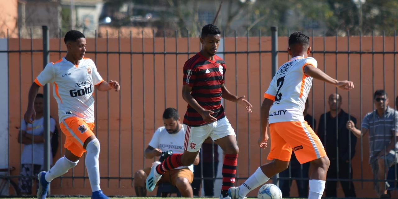 Sub-16 é eliminado do Torneio Guilherme Embry