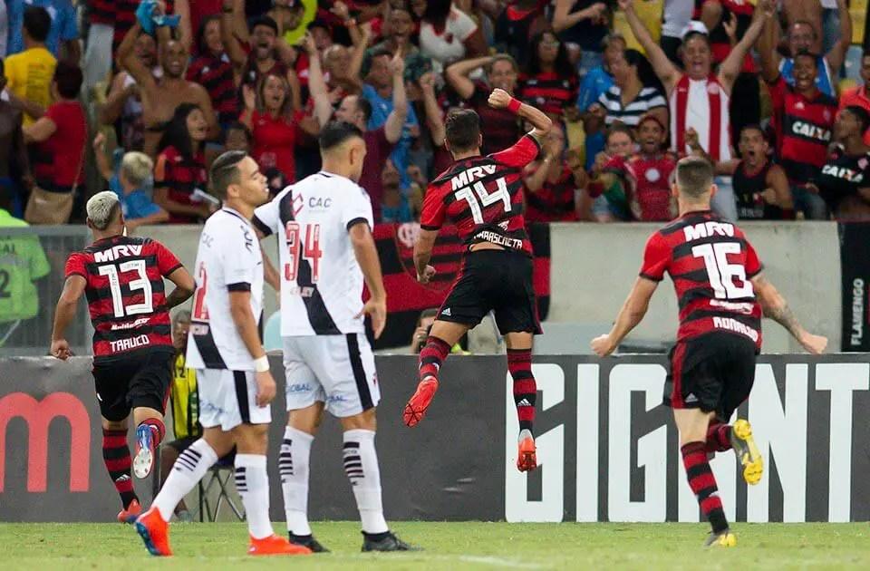 Se passar pelo Grêmio, Flamengo pode ter clássico contra o Vasco adiado; entenda