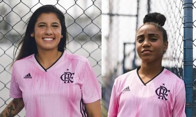 Atletas do futebol feminino do Flamengo participam de lançamento de camisas alusivas ao Outubro Rosa