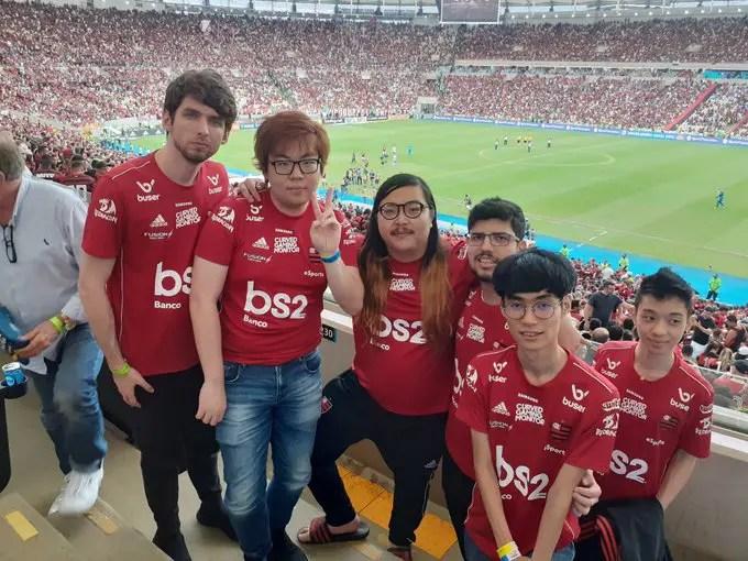 Flamengo eSports acompanha a vitória do Flamengo sobre o Palmeiras