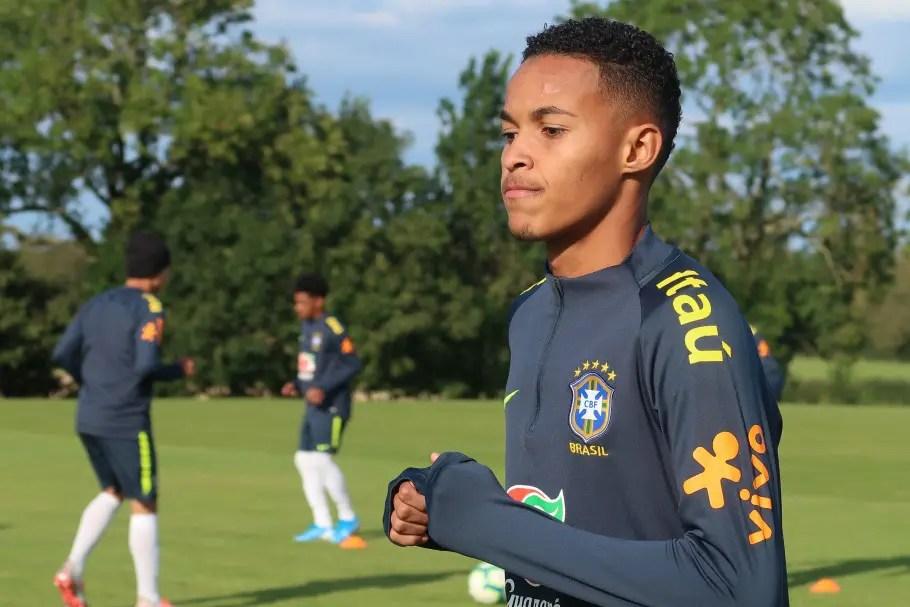Seleção Brasileia chama Lázaro para disputa do Mundial Sub-17
