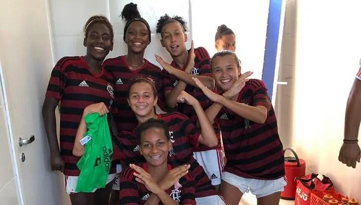 Flamengo goleia e enfrentará o Vasco nas semifinais do Carioca Feminino Sub-18