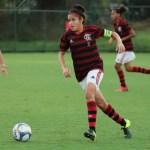 Flamengo vence em seu primeiro clássico no Futebol Feminino de base