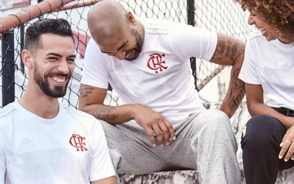 Adidas lança nova camisa do Flamengo