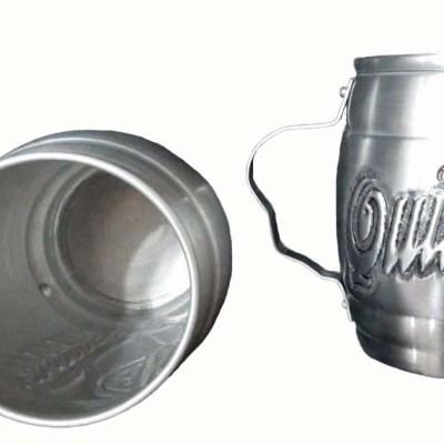 Chopera de aluminio con figura cincelada a mano de Quilmes