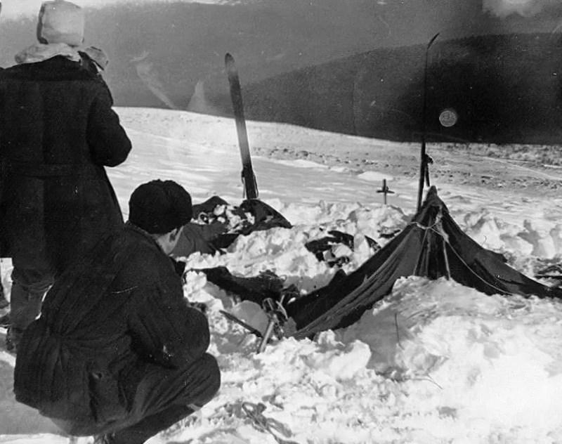 passagem da morte dyatlov tenda dos alpinistas