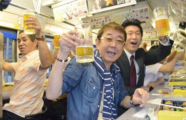 japan_beer_tram