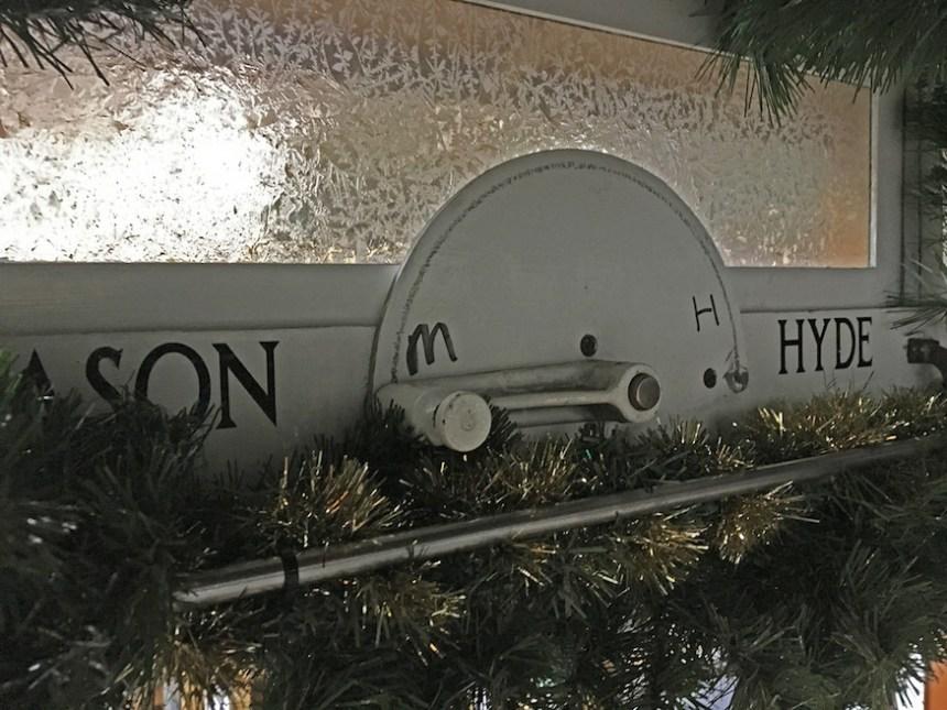 cable-car-christmas-mason-hyde-muni-diaries