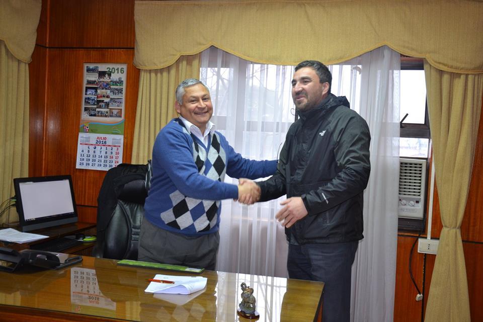 Alcalde Francisco Melo gestiona mejoramiento para Biblioteca Municipal