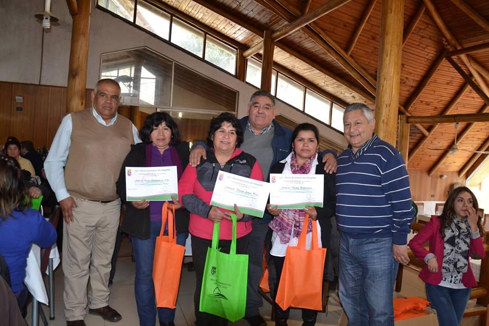 Alcalde Francisco Melo festeja a dirigentes vecinales  en su día