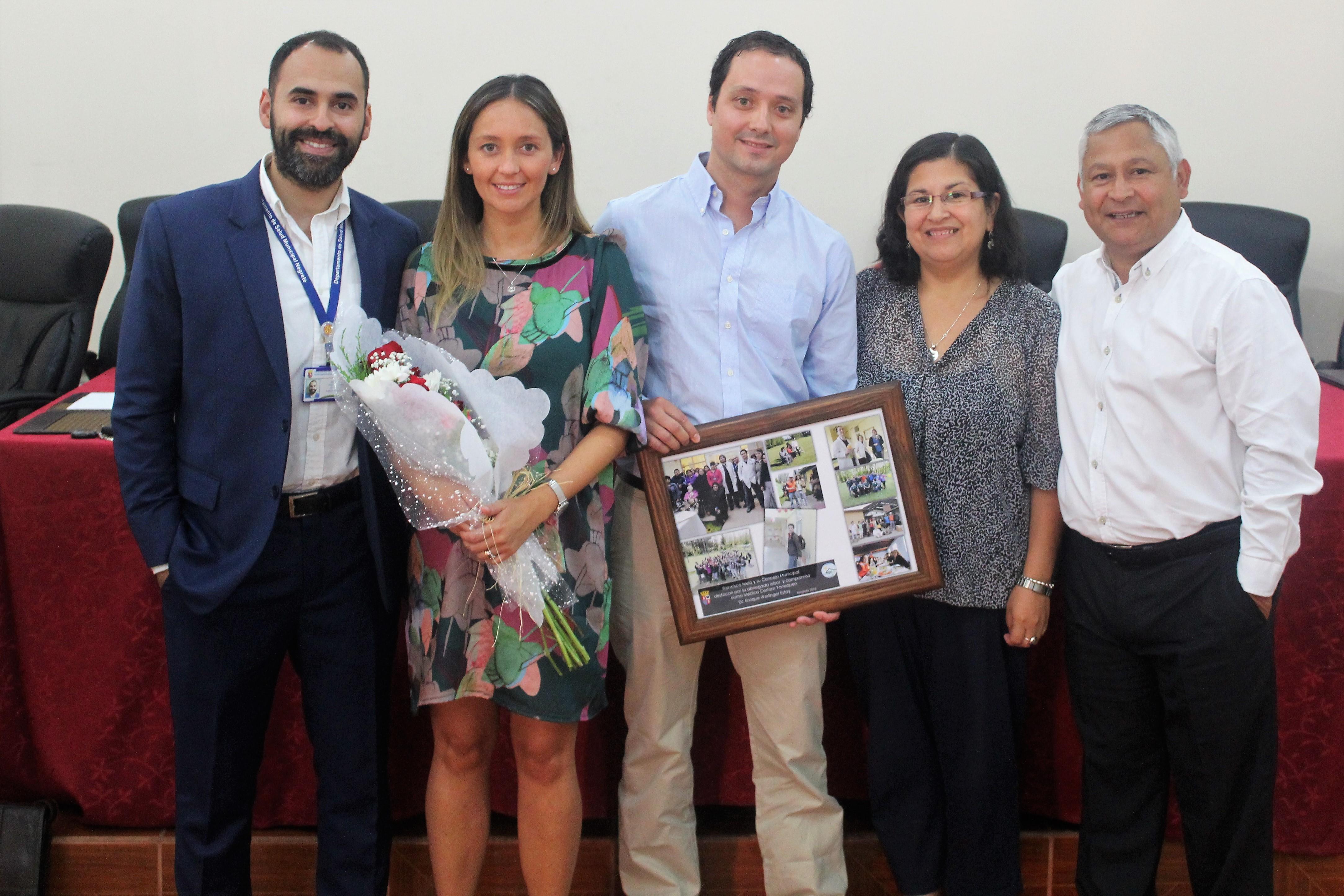 Equipo municipal y Cesfam Yanequén realizan emotiva despedida a doctor Enrique Werlinger