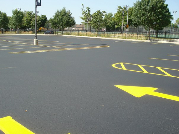 Parking lot Striping, Road Striping milwaukee,