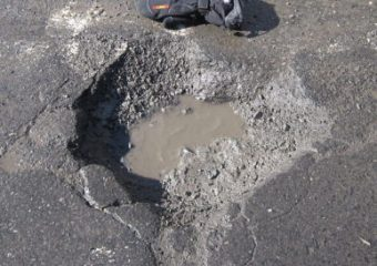 asphalt repair, Milwaukee, Potholes, Parking lot repair