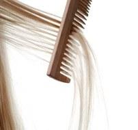 Finden Sie heraus, warum  Sie Haare verlieren: 6 Gründe