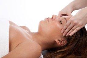 Gesichtsgymnastik:  Übungen gegen Spannung