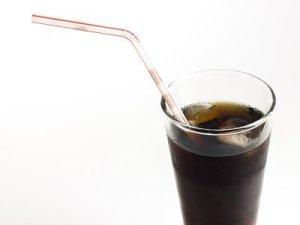 Lebensmittel und Getränke die uns älter machen