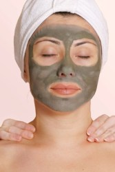 Grüne Tonerde gegen Akne