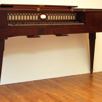 Franz Xaver Christoph Stolni klavir Beč, Austrija, kraj 18.st. drvo, metal, tekstil, mjed, slonova kost 82 x 152 x 57 cm MUO 11564