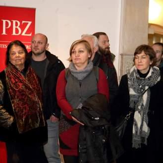 Publika u prigodi otvorenja izložbe MATKO VEKIĆ: ORIJENTAlizaCIJA u MUO