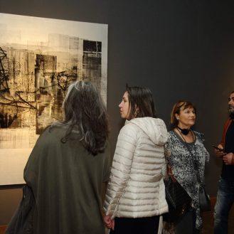 Publika u prigodi otvorenja izložbe Boris Guina: Reflexion u MUO