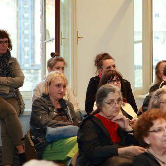 Publika u prigodi otvorenja izložbe Katedrala i Komersteiner , dvorana Nadbiskupijskog pastoralnog instituta