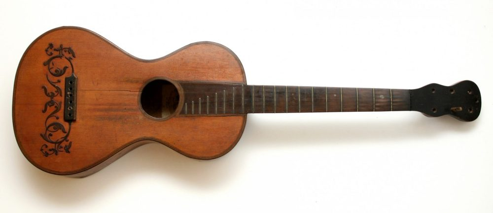 Gitara / MUO 12083 / oko 1820.