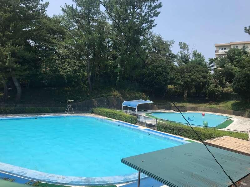 和地山公園の児童プール