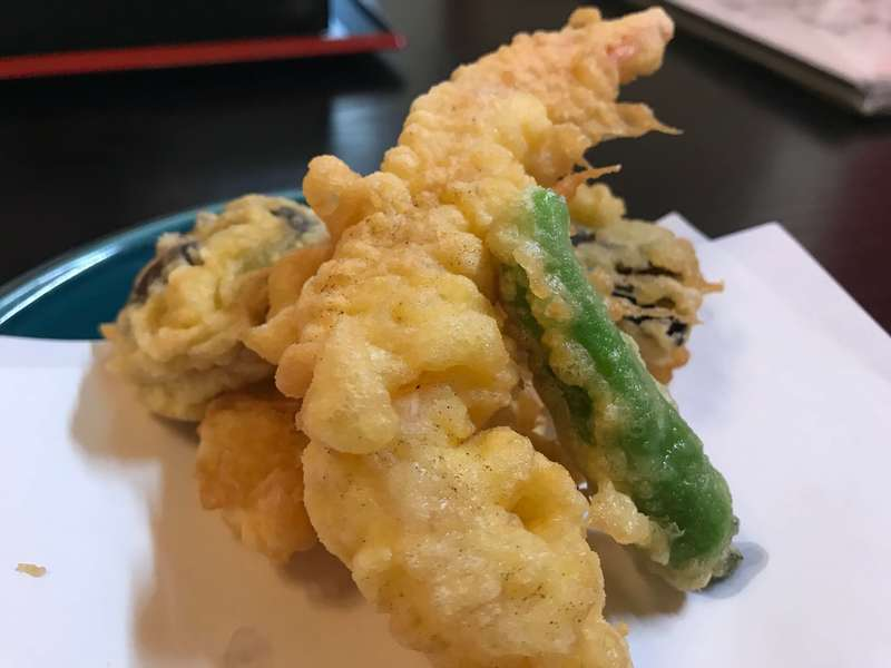 美山(みやま)の天ぷら盛り合わせ