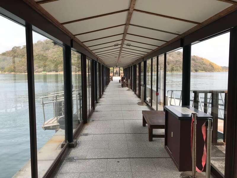 浮見堂の桟橋