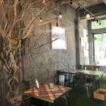 PUBLIC CAFE BAR PARK/ING(パーキング)の内観