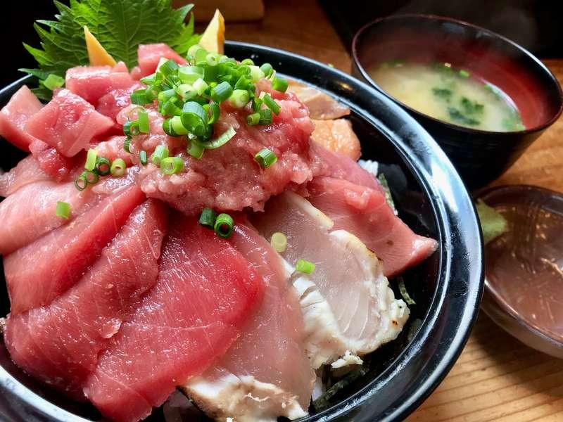 清水港みなみの特選鮪三昧丼