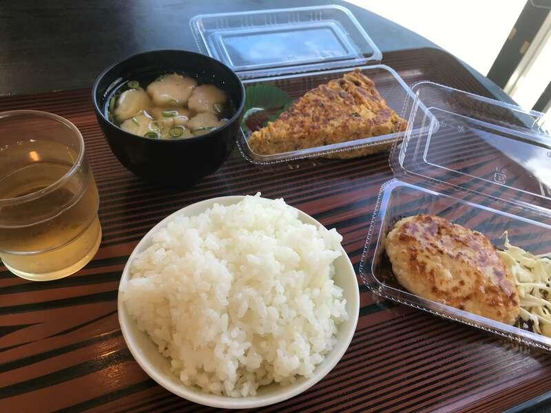 猫と過ごすバリ風民宿meongの食事