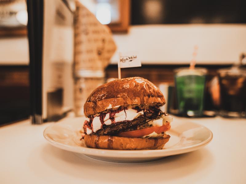 ザ ハイミール ダイナーのハンバーガー