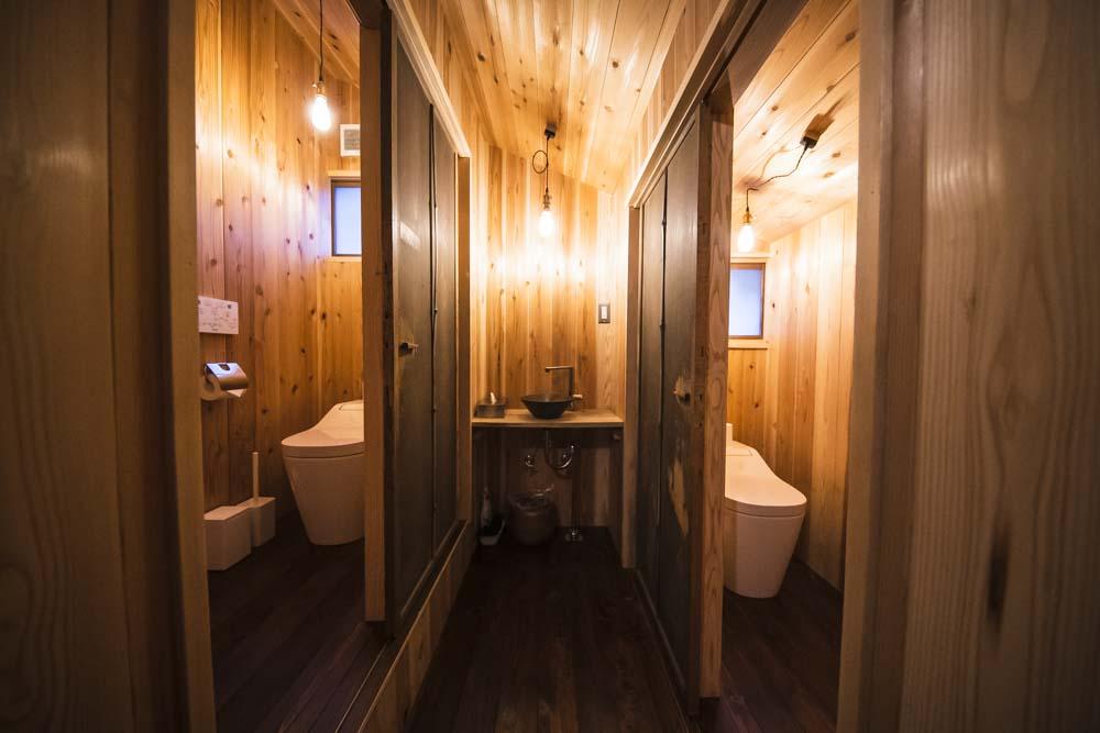 阿多古屋のトイレ
