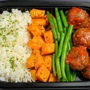 Kjøttboller,bønner,søtpotet,ris