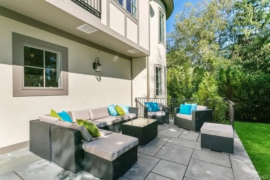 Murphy Brothers Contracting Larchmont Tudor 12