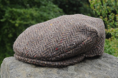 British Wool Tweed Flat Cap Traditional Flat Cap Style Deep Back Quilted Satin Lining ZH099 MID BROWN HERRINGBONE