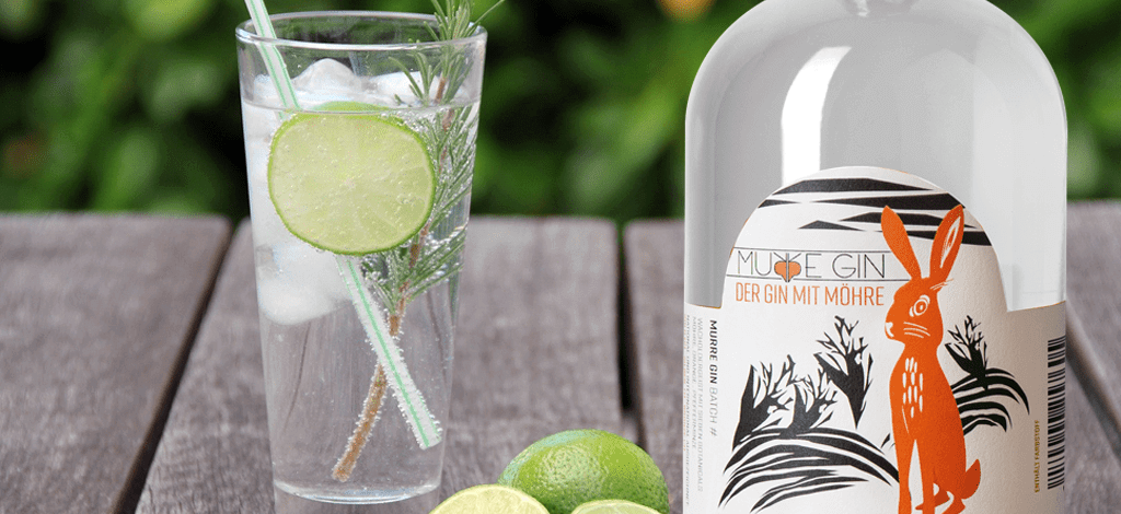 Gin mit Absatzknick durch Corona