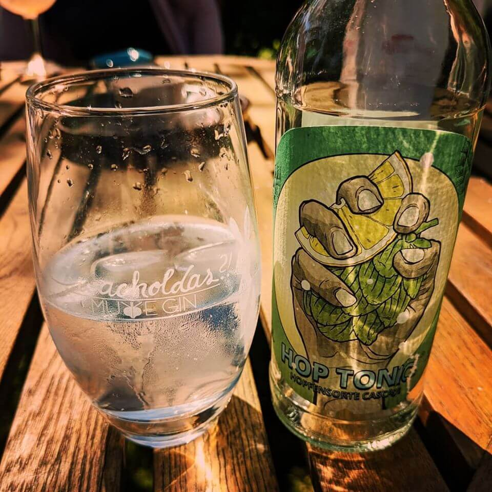Hop Tonic und Murre Gin