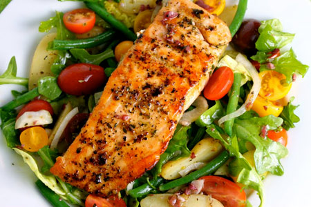 salmon-mixed-greens